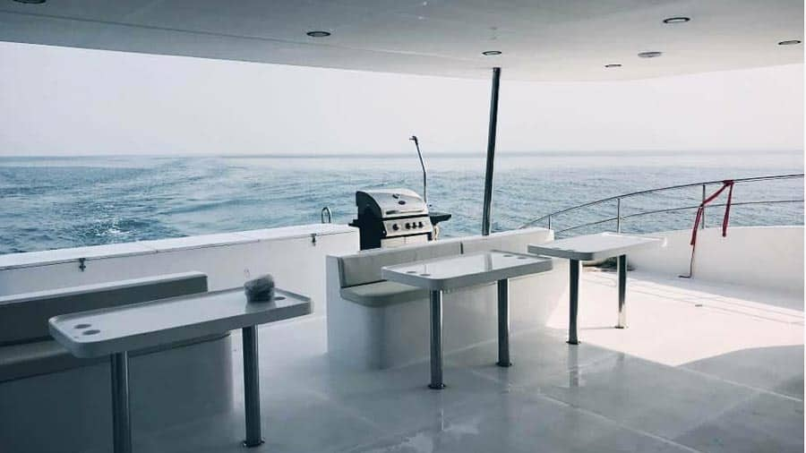 Yacht boat hire