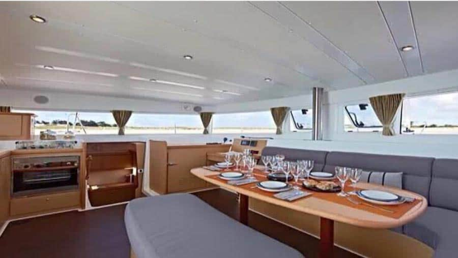 Yacht charter hire