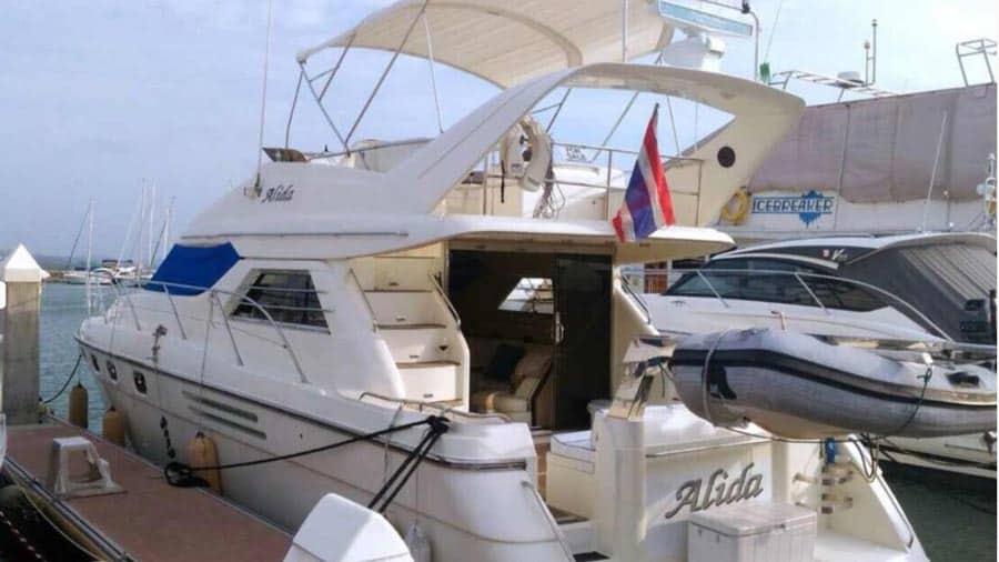 Princess48 boat hite
